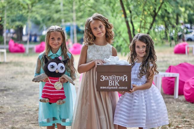 Маленькі модниці та модники разом із ЗуВі йдуть до школи!