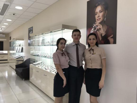 У Дубно запрацював новий магазин «Золотий Вік»